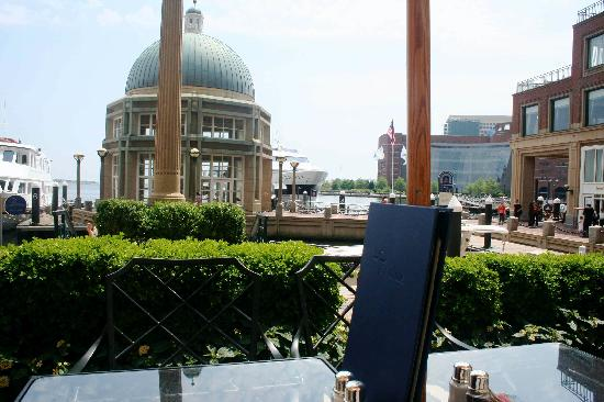 Boston Harbor Hotel: Table side on the back patio
