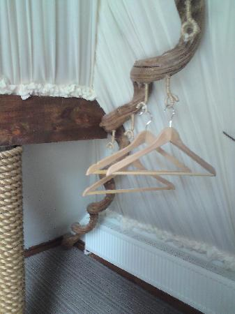 Crab Manor Hotel: No wardrobes just these fab quirky hangers!