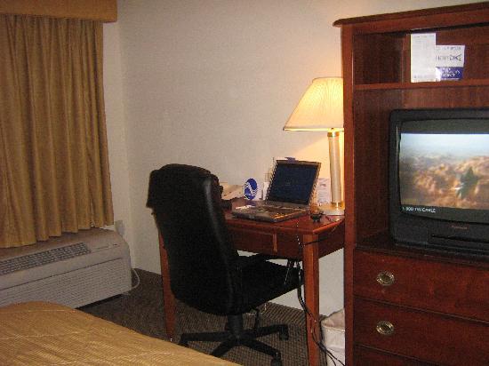 Comfort Inn Blythewood: desk