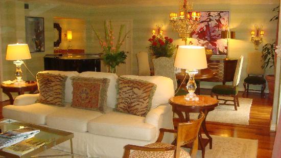 Rosewood Mansion on Turtle Creek: Living Room #706