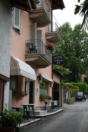Hotel La Locanda: entrée locanda stresa