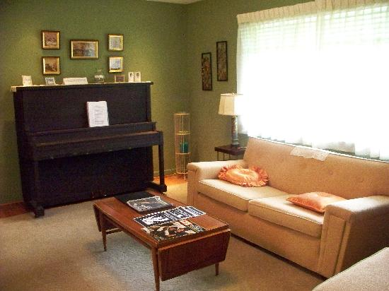 Medgar Evers Home: In Medgar Home Living Room