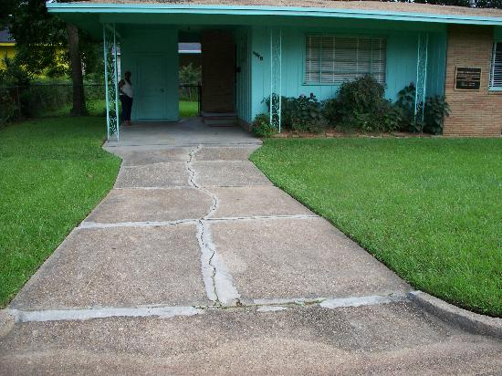 Medgar Evers Home: Medgar Carport