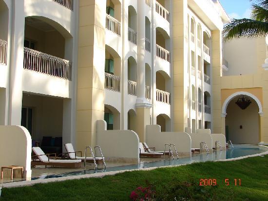 Iberostar Grand Hotel Bavaro: swimouts