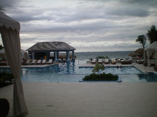 Iberostar Grand Hotel Rose Hall: infinity pool