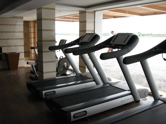 Hilton Luxor Resort & Spa: Part of the fantastic gym area