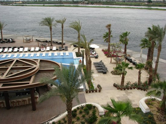 Hilton Luxor Resort & Spa: Looking down on pool area