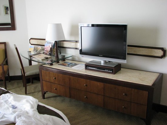 Hilton Luxor Resort & Spa: Standard room - TV