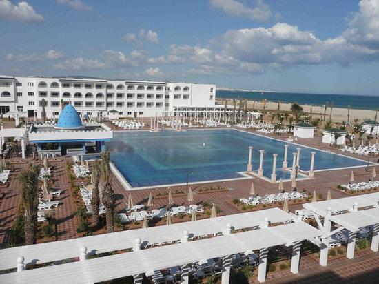 Concorde Hotel Marco Polo: piscina