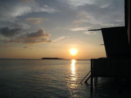 COMO Cocoa Island: sunset maldives