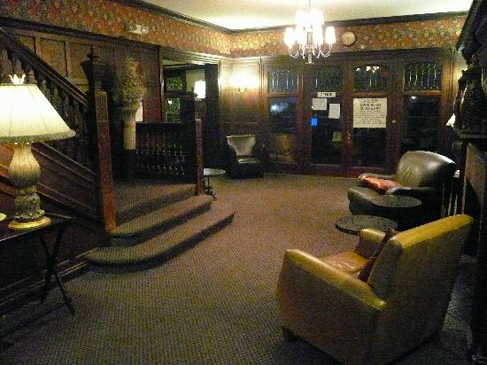Lobby of the Longwood Inn
