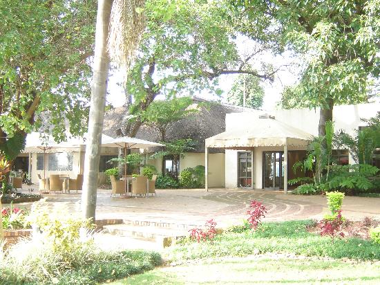Sabi River Sun Resort: Outside the reception building