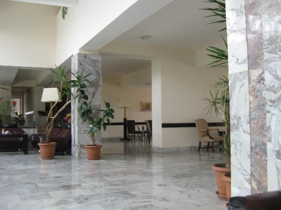 Hotel Regineh : Lobby 2