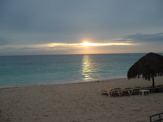 Iberostar Bavaro Suites: Beautiful sunrise!