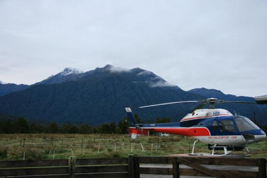Fox Glacier Mountainview Bed and Breakfast: Helicopter in the barn