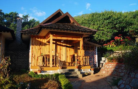 Pindaya, Burma: Our bricked cottage