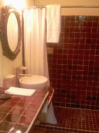 Casa Tlaquepaque Hotel-Galeria: Bathroom