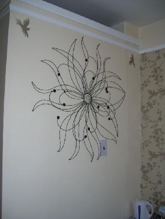 Heathfield Bed and Breakfast: Wall art in the room