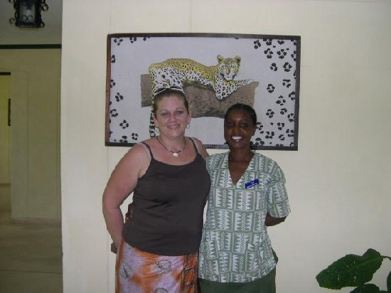 Sai Eden Roc Hotel: Me and my housekeeper Lucy! :)