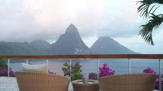 Jade Mountain Resort: View from Jade Celestial Terrace