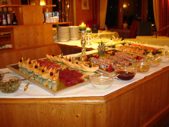 Relax & Spa Hotel Astoria: this is part of the italian buffet served one evening