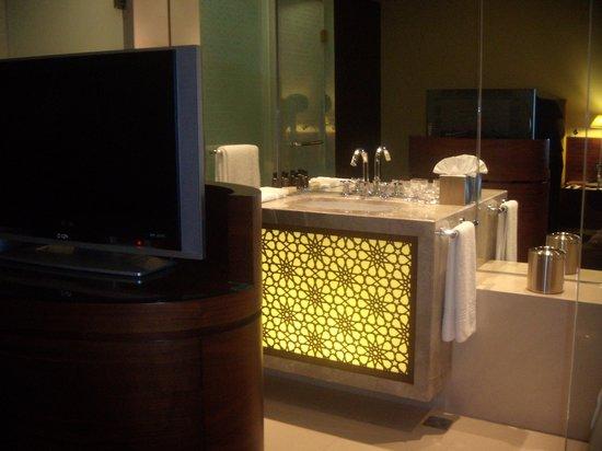 Manzil Downtown Dubai: Bathroom