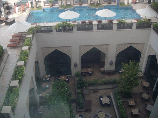 Manzil Downtown: Pool