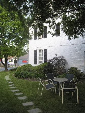 The Old Brick Inn: Side Yard Kemp House