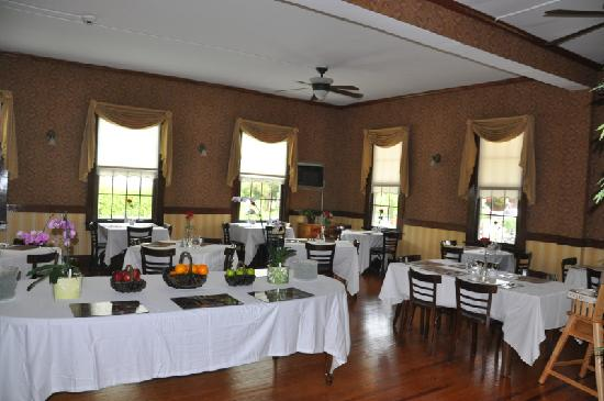 Spring Lake Inn: Dining Area