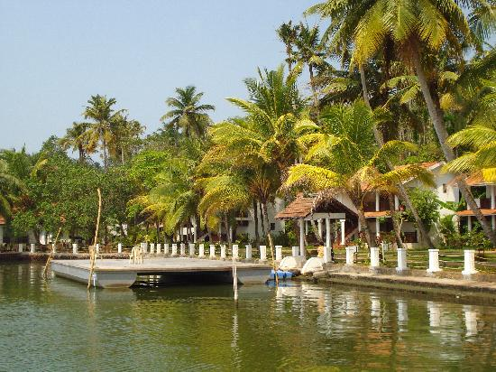 Club Mahindra Back Water Resort: View of the property from the backwater