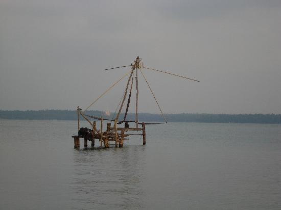 Club Mahindra Back Water Resort: Chinese fishing nets