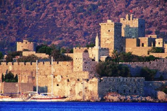 Castle of St. Peter : Bodrum castle and archeological museum