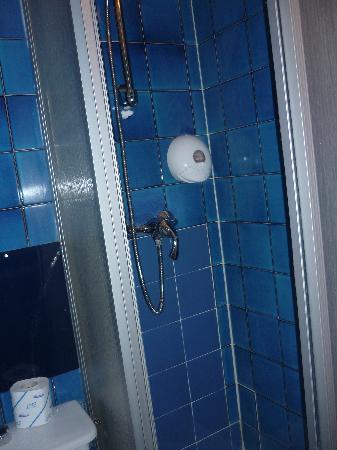 Hotel Agora: La doccia