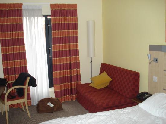 Holiday Inn Express Cheltenham: Double room