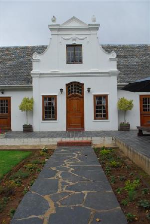 Kronenhoff Guest House: Kronenhoff, front entrance.