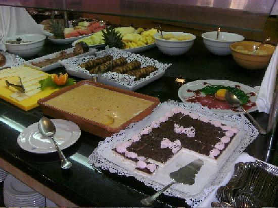 Marinda Garden Aparthotel: Marinda Garden Buffet Desserts