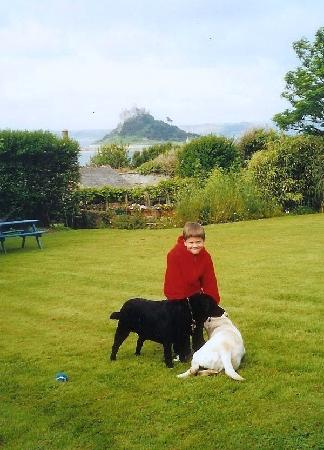 Chymorvah Hotel: Our son, Chymorvah's dogs, and the Mount