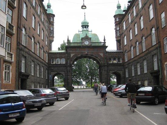 Bike Copenhagen with Mike: Biking to the Palace