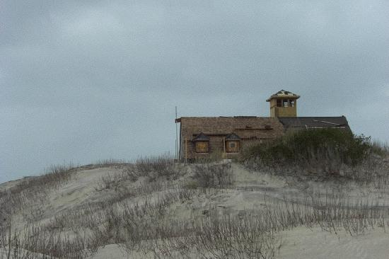 ‪‪Barrier Island Station at Kitty Hawk‬: Lonely House, Cape Hatteras‬