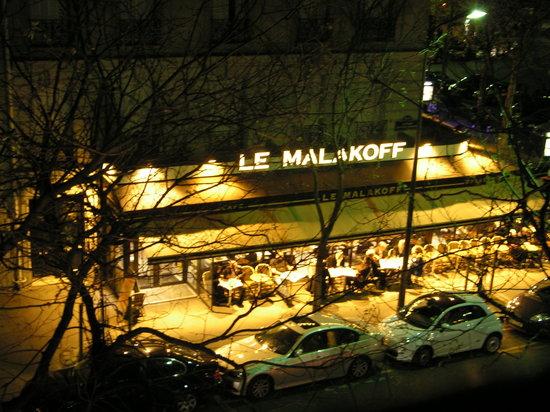 Le Malakoff: By night