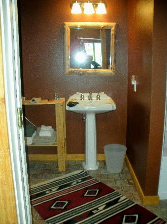 Escalante's Grand Staircase Bed & Breakfast Inn: Bathroom
