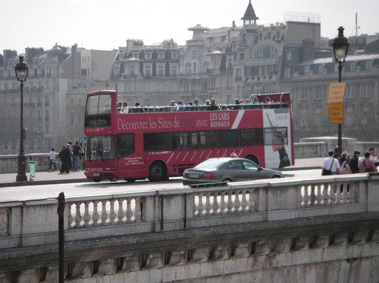 Big Bus Paris: What the buses look like