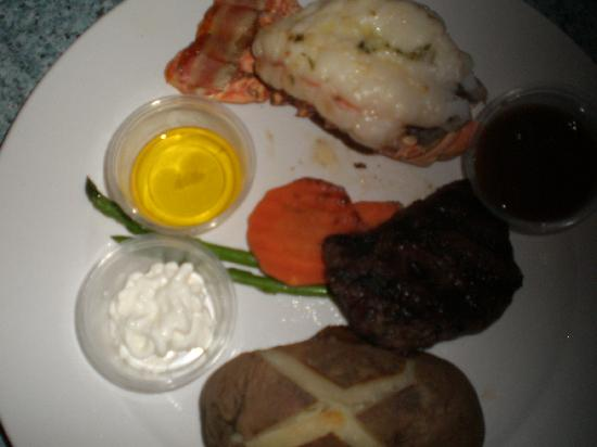 Pusser's: Surf & Turf Special