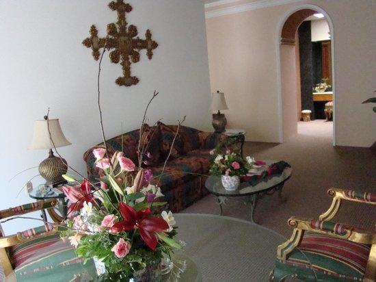 Hotel Mansion del Cupatitzio: Estancia Suite