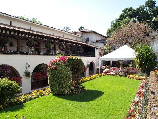 Hotel Mansion del Cupatitzio: Uno de los jardines
