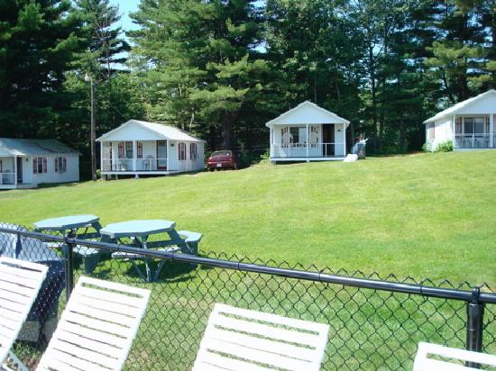 Grand View Motel and Cottages : the cottages