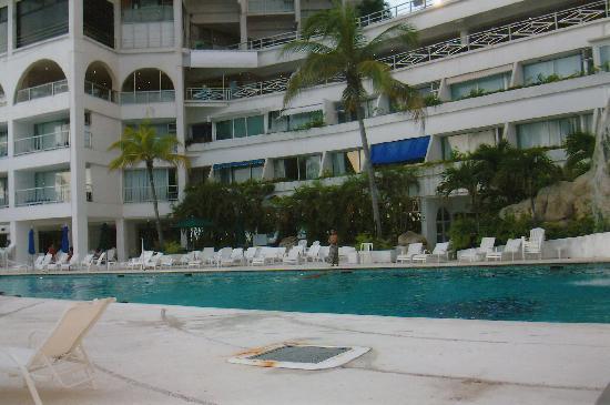 Las Torres Gemelas: the pool