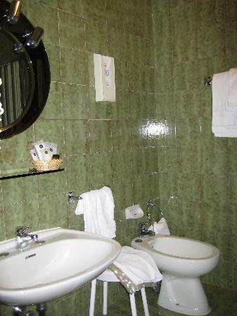 Best Western Hotel Liberta : Bathroom which was spacious