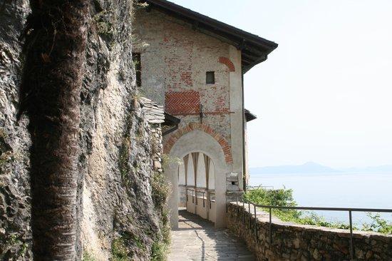 Leggiuno, Italia: santa caterina