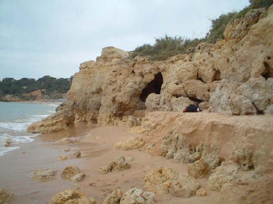 Cheerfulway Vila Alba: Rocky beach